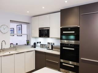 Kitchen by Raycross Interiors, Modern