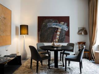 hinterer Raum Esszimmer: moderne Esszimmer von 3clinium - italian interior design Berlin