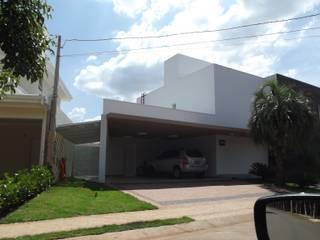 Projekty,  Domy zaprojektowane przez Raquel Pelosi Arquitetura e Design Visual