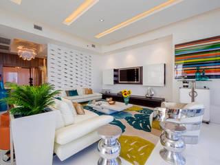 Infinity Spaces 现代客厅設計點子、靈感 & 圖片