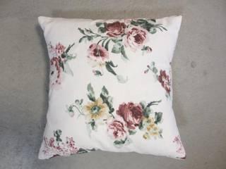 Kussen me rozen:   door Leonietje's