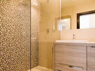 Projekt łazienki z kompleksowym wyposażeniem i wykonawstwem pod klucz Nowoczesna łazienka od Anna Buczny PROJEKTOWANIE WNĘTRZ Nowoczesny