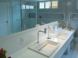 ห้องน้ำ โดย Casa Habitada , มินิมัล