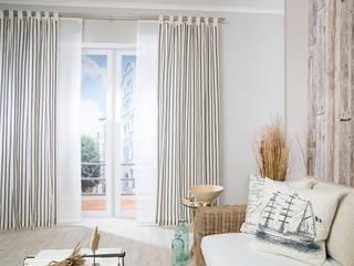 Puertas y ventanas escandinavas de Indes Fuggerhaus Textil GmbH Escandinavo