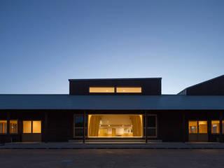 吉井保育所: tatta建築設計事務所が手掛けた学校です。