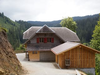 Erhaltung und Erneuerung Forsthaus Hölli: moderne Häuser von Mäder + Luder Architekten AG