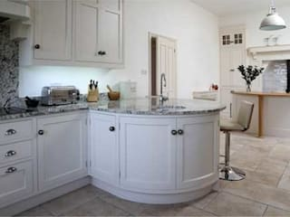 Traditional hand painted kitchen by John Ladbury and Company Classic