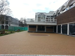 Commercial resin bound paving works by Pps-UK Permeable Paving Solutions UK Ruang Komersial Modern