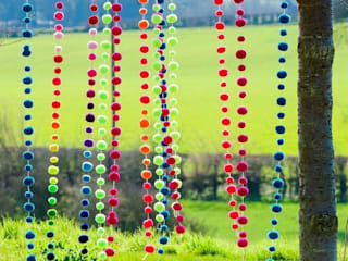Pom Pom Garlands in the Garden Eclectic style garden by PomPom Galore Eclectic