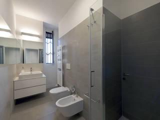 Ванные комнаты в . Автор – Tommaso Giunchi Architect,