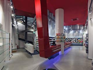 Dipl. Des. Innenarchitekt Minimalistische Ladenflächen von Jörn Bathke Minimalistisch