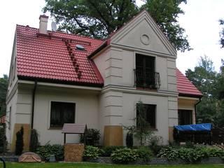 根據 Nowak i Nowak Architekci 古典風