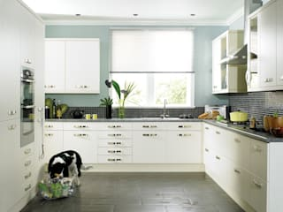 DM Design Cream Range Door:  Kitchen by DM Design