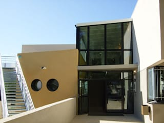 Collège André Chamson, LE VIGAN (30): Ecoles de style  par ARCHITECTE NEVIERE
