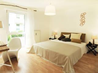 Home Staging Schlafzimmer: moderne Schlafzimmer von Momentum Homestaging