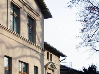 Denkmalgeschützte Villa:  Häuser von MARS Architekten