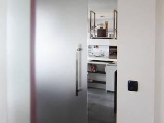 Paredes e pisos modernos por Vetreria f.lli Paci Moderno