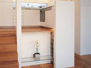 Little Venice Apartment Jonathan Clark Architects Minimalist kitchen
