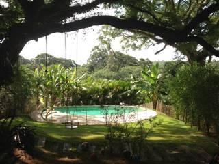 Jardines de estilo  de Carla Pagotto Arquitetura e Design Interiores,
