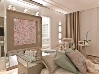 Rolim de Moura Arquitetura e Interiores Modern nursery/kids room