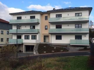 Neubau eines MFH in Eisenach: moderne Häuser von Holzbau Sauer GmbH & Co KG