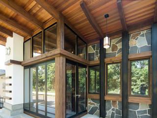 Puertas y ventanas clásicas de パパママハウス株式会社 Clásico