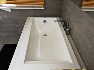 Łazienki i salony kąpielowe – Szarości: styl , w kategorii Łazienka zaprojektowany przez Twindesign  - Kompleksowe Usługi Budowlane