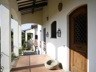 Studio Tecnico Fanucchi Colonial style balcony, veranda & terrace