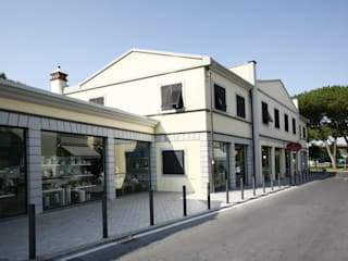 Studio Tecnico Fanucchi Klassische Geschäftsräume & Stores