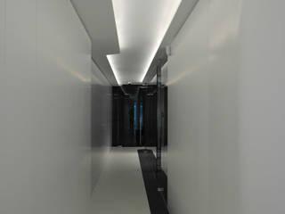 Fluidité Espaces de bureaux modernes par Luc Spits Interiors Moderne