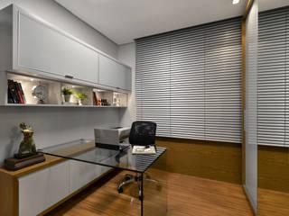 Ausgefallene Arbeitszimmer von Redecker + Sperb arquitetura e decoração Ausgefallen