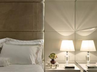 Suíte casal J|R: Quartos  por Redecker + Sperb arquitetura e decoração