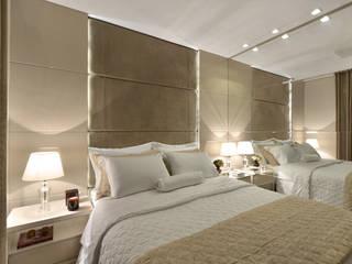Suite casal J|R: Quartos  por Redecker + Sperb arquitetura e decoração