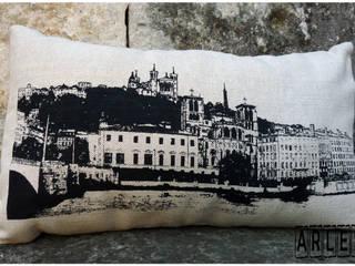 Coussins lyonnais par C²nous Arles Moderne