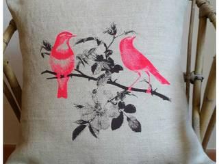 Coussins oiseaux par C²nous Arles Moderne