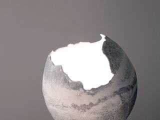 Oeuf en coquille de beton:  de style  par Natalie Sanzche