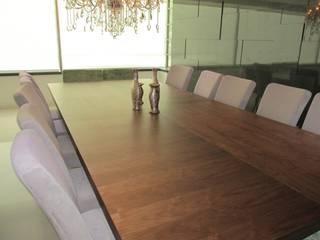 Comedor/ Sala de ARTTRE FURNITURE DESIGN Moderno