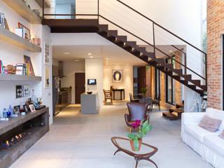 Salon moderne par PAULA BITTAR ARQUITETURA Moderne