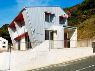 Houses by 氏原求建築設計工房