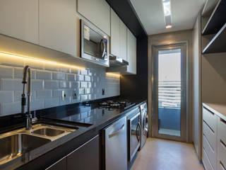 Urban Loft: Cozinhas  por Studiodwg Arquitetura e Interiores Ltda.