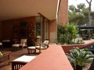 Extension à La Seyne sur Mer Balcon, Veranda & Terrasse modernes par Grégory Cugnet ARCHITECTE Moderne