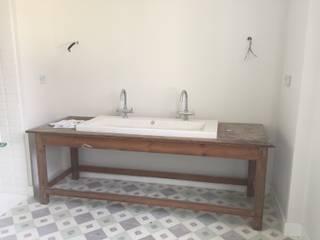 casa en el sur de España: Baños de estilo  de La Californie