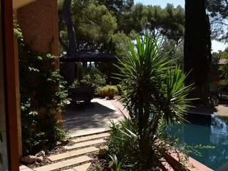 Extension à La Seyne sur Mer Jardin moderne par Grégory Cugnet ARCHITECTE Moderne