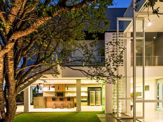 Giardino moderno di Raffo Arquitetura Moderno