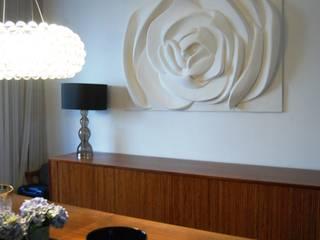 Painel Flor: Salas de jantar  por Iva Viana Atelier de Escultura,Moderno