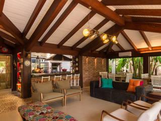 Terrazas de estilo  de Camila Tannous Arquitetura & Interiores, Ecléctico