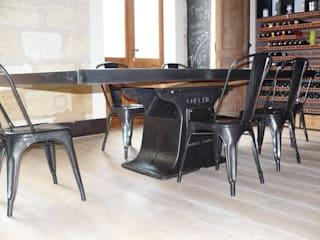 Table industrielle pied central fonte par mai.b.store Industriel