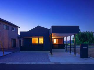 タクタク/クニヤス建築設計 Eclectic style houses