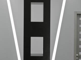 minimalist  by APRIL DESIGN, Minimalist
