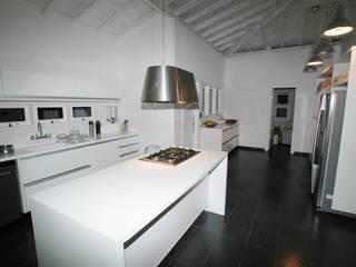 Cozinhas modernas por Sintony SRL Moderno